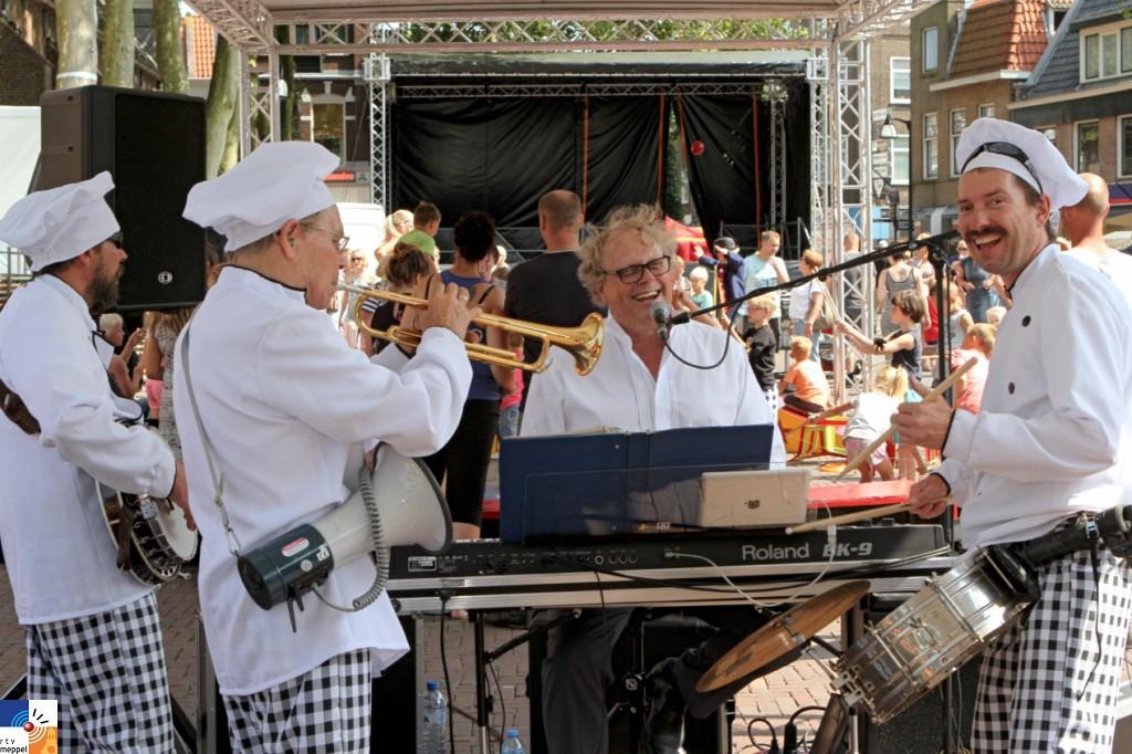 Hans Baaij met dxieland orkestje