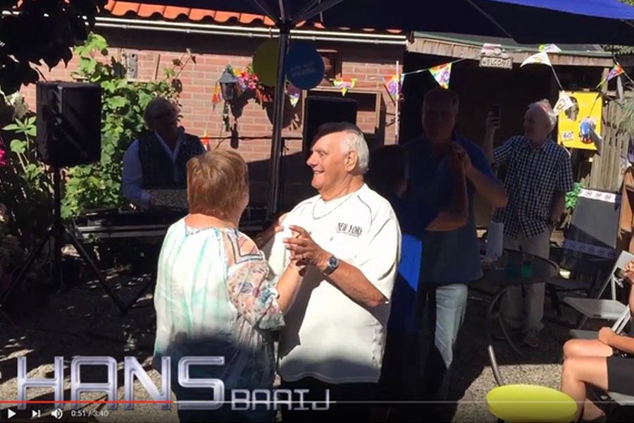 60 jarig huwelijk met Hans Baaij werd een geweldig feest in de zomer van 2016. Het was heerlijk zo'n feest te hebben met zo'n een kleine familiie in de tuin. Heerlijk gegeten en gedronken en een topfeest!
